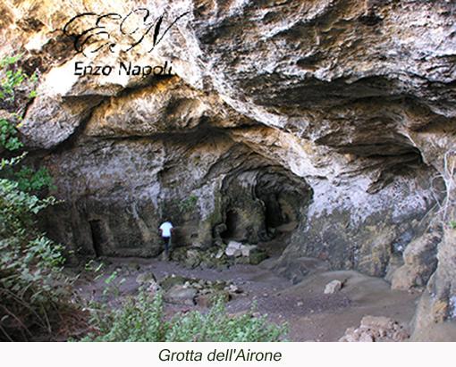 Grotta dell'Airone (2)